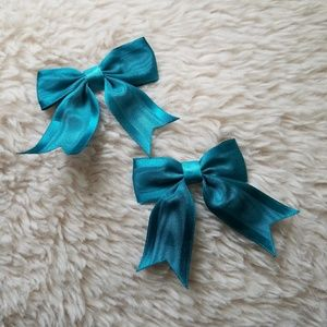 🎀Turquoise Bow Hair Clips🎀
